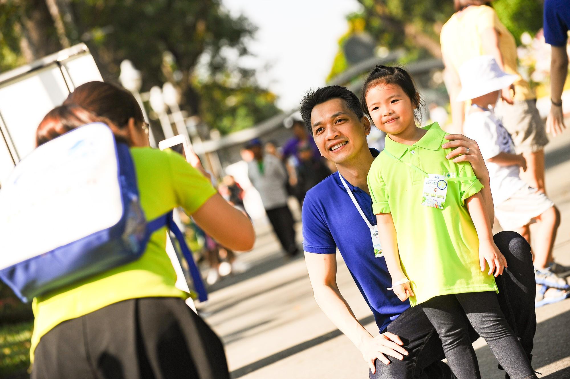 Chủ tịch HĐQT ACB Trần Hùng Huy: Mình không biết nhảy, không biết hát nhưng có thể học và không sợ quê! - Ảnh 13.