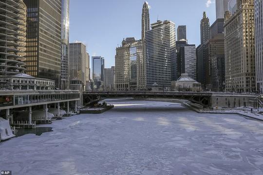 Xoáy cực ở Mỹ: Chicago lo sợ băng chấn - Ảnh 1.