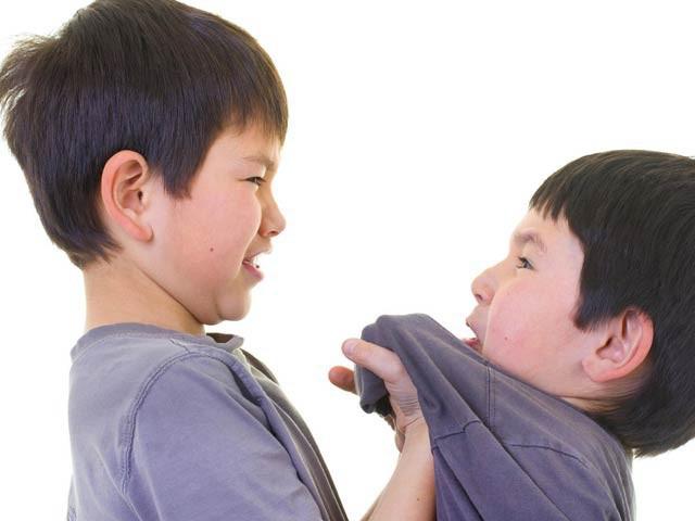 Khi con bị bắt nạt, cha mẹ vạn lần không được nói 3 từ này, bằng không càng khiến trẻ sau này bị yếu đuối - Ảnh 1.