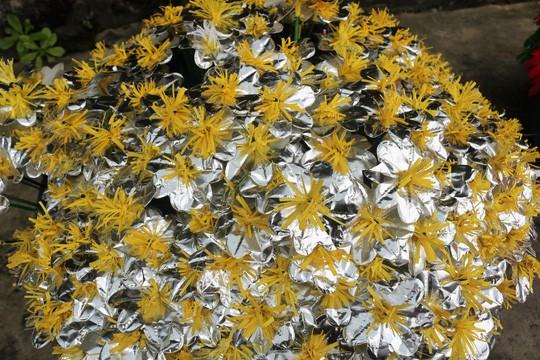 Độc đáo ngôi làng 300 năm làm hoa giấy ở Huế - Ảnh 6.