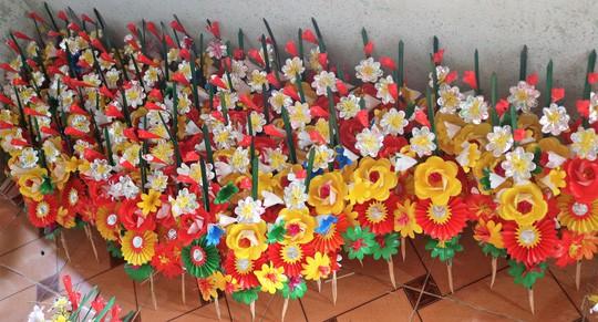 Độc đáo ngôi làng 300 năm làm hoa giấy ở Huế - Ảnh 7.