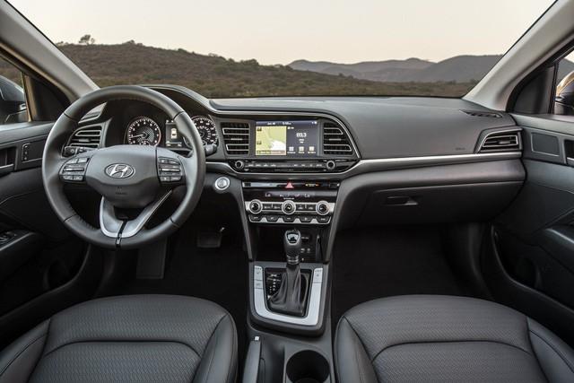 Hyundai Elantra 2019 sắp ra mắt Việt Nam, đấu Mazda3 nhưng Toyota Altis mới đáng lo - Ảnh 5.