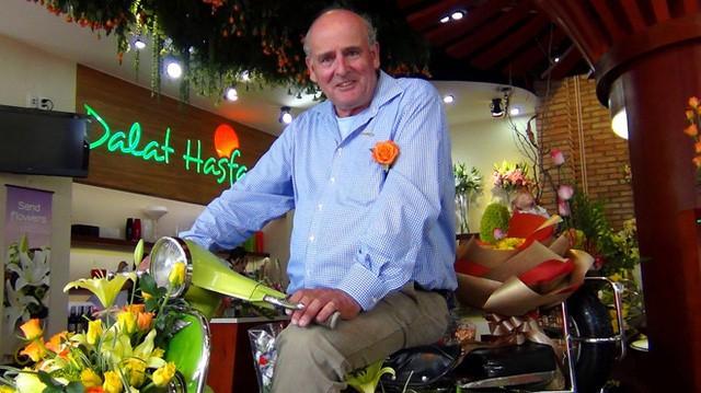 27 năm trước từng bị gọi là điên khi đưa nhà kính về Việt Nam, nhưng nhờ người đàn ông này Đà Lạt đã biến thành thủ phủ hoa của cả nước - Ảnh 1.