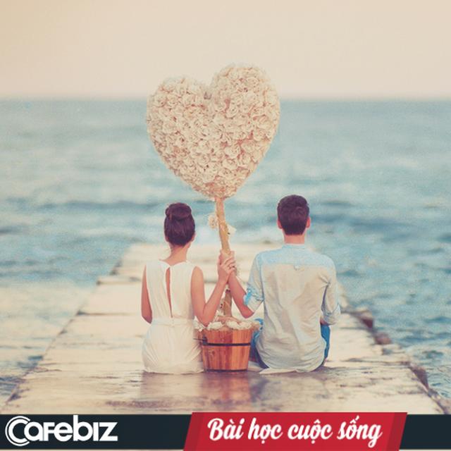 Valentine cho những cặp vợ chồng: Phụ nữ ơi, hãy dẹp đi suy nghĩ mình phải hi sinh gia đình mới hạnh phúc! Đừng để hôn nhân là mồ chôn tình yêu của bạn! - Ảnh 2.