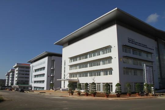 Ngắm bệnh viện ngàn tỉ hiện đại nhất Tây Nguyên sắp hoạt động  - Ảnh 2.