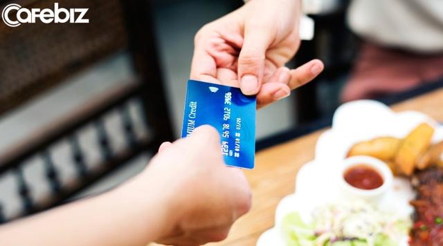 Đi ăn hàng, ai phải trả tiền: Cuộc chiến tranh giành hóa đơn giữa những người muốn tỏ ra mình hào phóng không hồi kết - Ảnh 4.