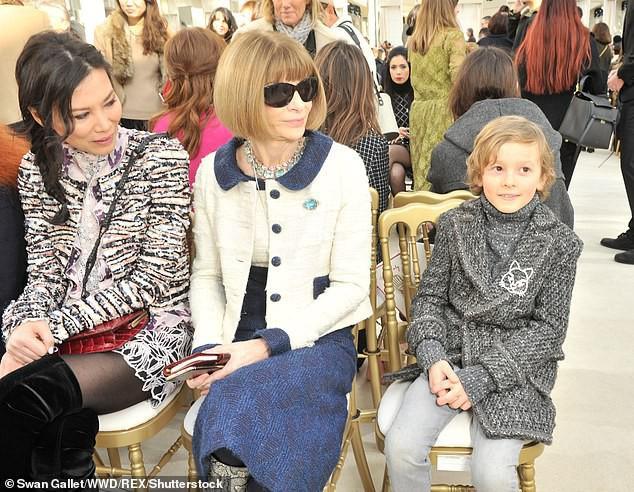 Cuộc sống phủ đầy hàng hiệu, chỉ toàn gặp người nổi tiếng của Hoàng tử nhí làng thời trang, con trai cưng của huyền thoại Chanel Karl Lagerfeld - Ảnh 6.