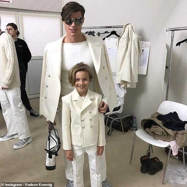 Cuộc sống phủ đầy hàng hiệu, chỉ toàn gặp người nổi tiếng của Hoàng tử nhí làng thời trang, con trai cưng của huyền thoại Chanel Karl Lagerfeld - Ảnh 7.