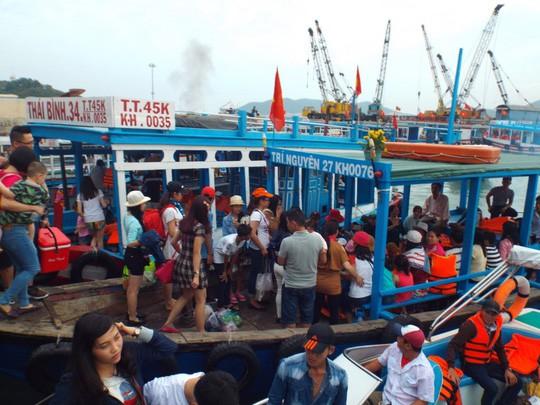 Thống nhất giá tour đảo vịnh Nha Trang là 250.000 đồng/khách - Ảnh 2.