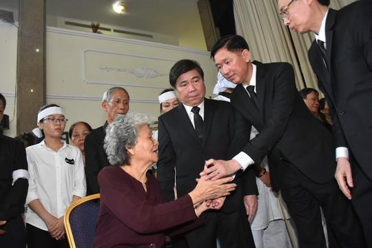Bí thư Thành ủy TP HCM đến viếng lễ tang Phó Chủ tịch UBND TP Nguyễn Thị Thu - Ảnh 2.