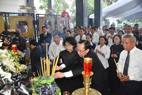 Bí thư Thành ủy TP HCM đến viếng lễ tang Phó Chủ tịch UBND TP Nguyễn Thị Thu - Ảnh 3.
