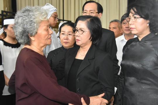 Bí thư Thành ủy TP HCM đến viếng lễ tang Phó Chủ tịch UBND TP Nguyễn Thị Thu - Ảnh 4.