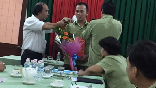 Thu hồi quyết định bổ nhiệm Phó chi cục Quản lý thị trường Bình Định - Ảnh 1.