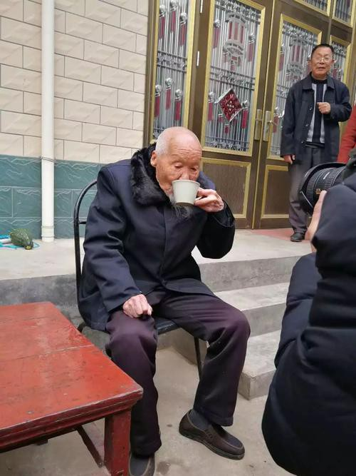 Lão nông sống thọ 117 tuổi tiết lộ: Tiền bạc chưa chắc đổi được sức khỏe, mà là 7 điều này - Ảnh 4.