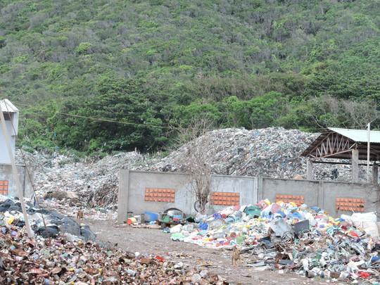 Chi hơn 35 tỉ đồng, chuyển 70.000 tấn rác từ Côn Đảo về đất liền xử lý - Ảnh 6.