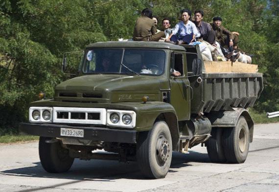 2 hãng ô tô của Triều Tiên được thế giới biết đến - Ảnh 3.