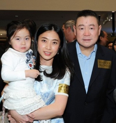 Đại trượng phu như tỷ phú giàu thứ 4 Hong Kong: Trước khi chia tay tặng người tình 400 triệu USD, nhà cửa, máy bay dùng thoải mái và chu cấp đầy đủ tiền nuôi con - Ảnh 2.
