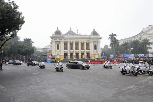 Đoàn xe chủ tịch Triều Tiên Kim Jong Un về đến khách sạn Melia, Hà Nội - Ảnh 2.