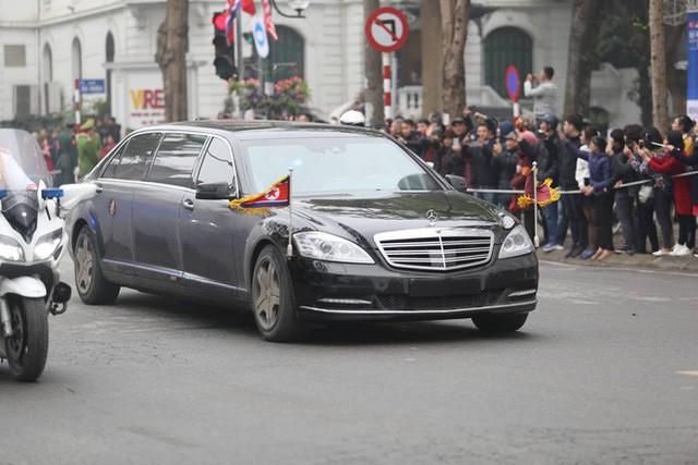 Đoàn xe chủ tịch Triều Tiên Kim Jong Un về đến khách sạn Melia, Hà Nội - Ảnh 8.