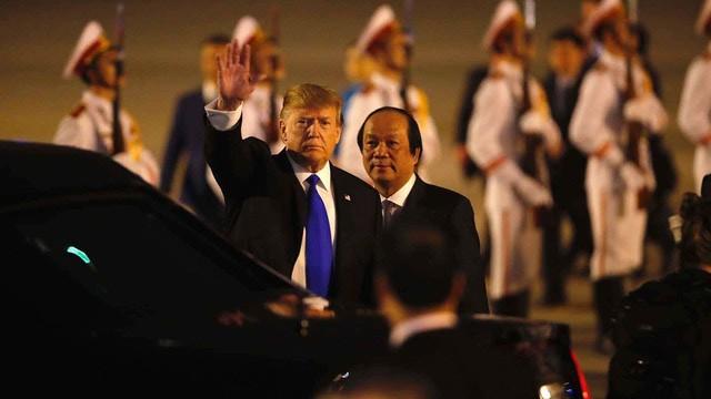 3 câu chuyện về Tổng thống Donald Trump và chiếc phông nền màu tím ở hội nghị thượng đỉnh Đà Nẵng - Ảnh 5.