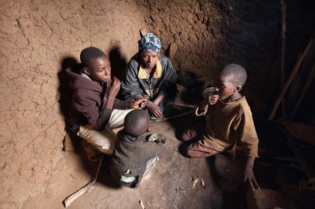 Tiền nhiều để làm gì? Câu trả lời đến từ sự chênh lệch giàu - nghèo của các hộ gia đình trên toàn thế giới - Ảnh 3.