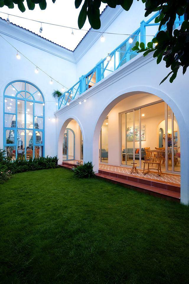 Nhà 2 tầng đẹp như vườn cổ tích ở Đà Nẵng - Ảnh 2.