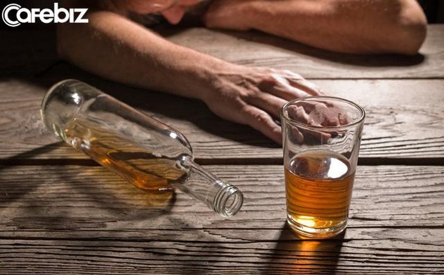 Tâm sự của người vợ mất chồng vì tai nạn giao thông do say rượu ngày Tết: Xin hỏi, những người ép rượu, các anh không có gia đình ư? - Ảnh 2.