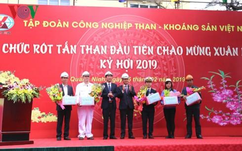 TKV rót hơn 40.000 tấn than trong ngày mồng 1 Tết Kỷ Hợi - Ảnh 1.