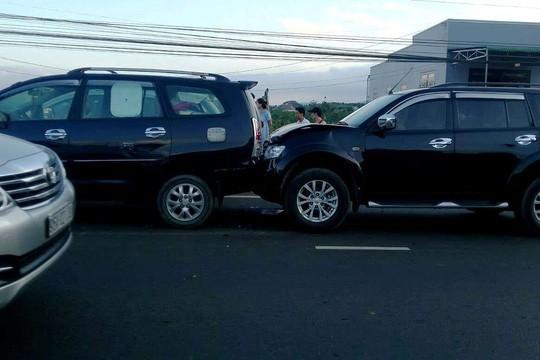 Tai nạn liên hoàn giữa 5 xe con, đường lên Đà Lạt kẹt cứng - Ảnh 1.
