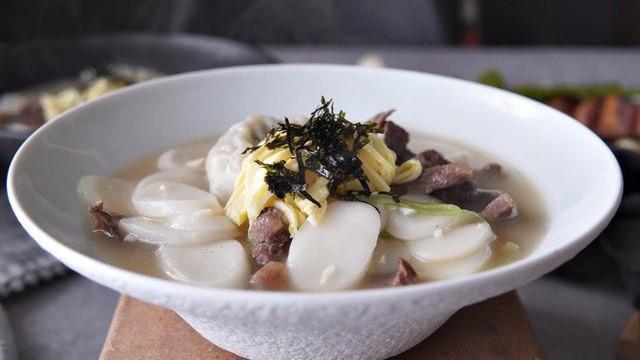 Tteok kuk - món ăn không thể thiếu dịp trong Tết của người Hàn - Ảnh 5.