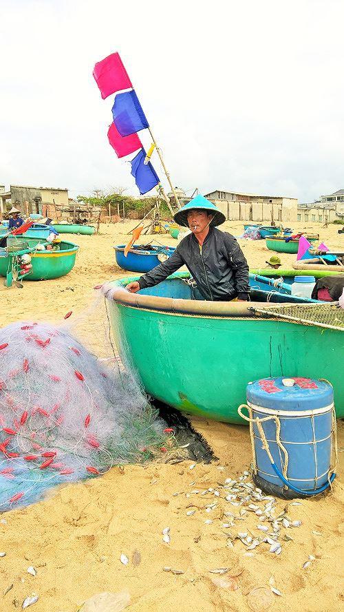 Ngư dân Vũng Tàu trúng đậm lộc biển đầu năm - Ảnh 8.