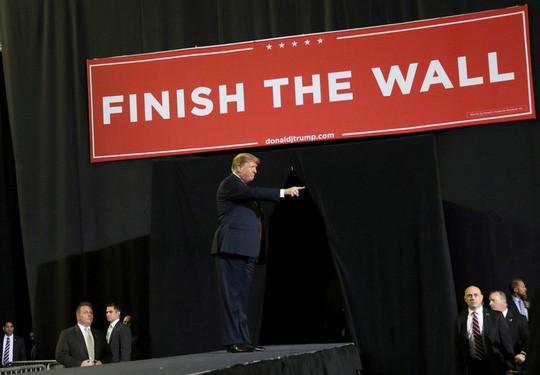 Đề xuất ngân sách mới của ông Trump lại bị vùi dập  - Ảnh 2.
