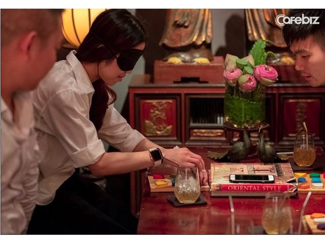 Chuyện chưa kể của ông chủ nhà hàng dạ thực duy nhất ở Việt Nam: Bỏ vị trí Giám đốc sau khủng hoảng tuổi trung niên, phá vỡ gần hết quy tắc trong Marketing F&B lại thành công rực rỡ - Ảnh 4.