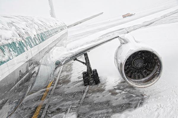 Trong thời đại bay siêu an toàn với tỉ lệ tử vong hàng không chỉ 0,00005%, tại sao vẫn có những tai nạn máy bay thảm khốc? - Ảnh 4.