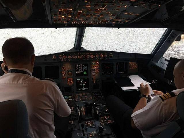 Trong thời đại bay siêu an toàn với tỉ lệ tử vong hàng không chỉ 0,00005%, tại sao vẫn có những tai nạn máy bay thảm khốc? - Ảnh 5.
