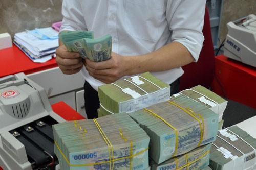 Vì sao doanh nghiệp Việt thích vay ngân hàng, ngại phát hành trái phiếu? - Ảnh 1.