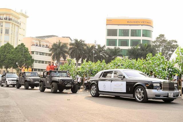 Dàn xe khủng của ông chủ cafe Trung Nguyên chở theo Hoa hậu và Á hậu, sẵn sàng hành trình xuyên Việt 2019 - Ảnh 20.