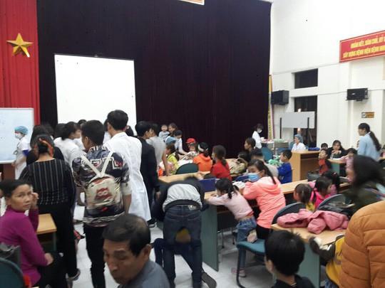 Vụ hàng trăm trẻ nghi ăn thịt bẩn: Chủ tịch tỉnh Bắc Ninh chỉ đạo truy nguồn gốc thịt bẩn  - Ảnh 1.