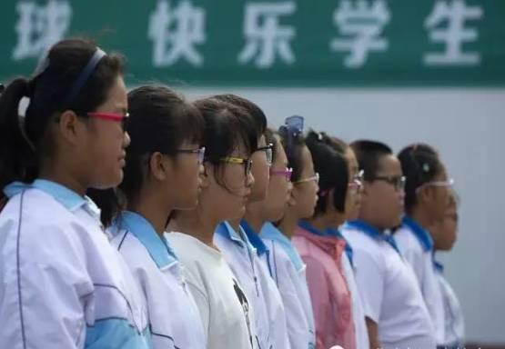 Chùm ảnh lột tả sự khắc nghiệt đến kinh hoàng về cuộc chiến học tập của học sinh các nước Châu Á - Ảnh 9.