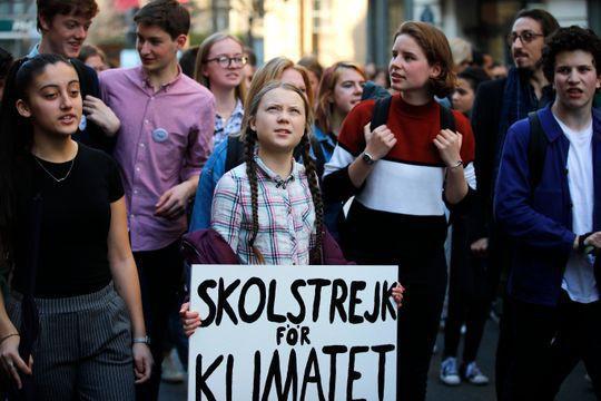 Cô gái 16 tuổi vận động mọi người bỏ học để biểu tình chống biến đổi khí hậu được đề cử giải Nobel hòa bình - Ảnh 2.