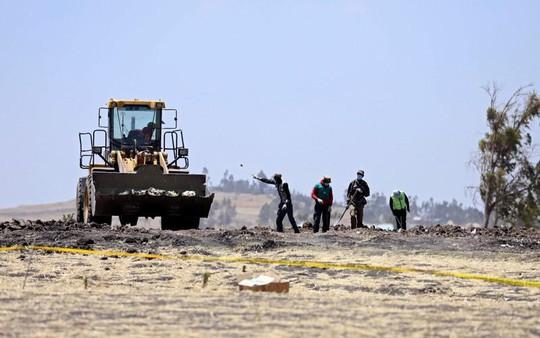 Tiết lộ đầu tiên về dữ liệu hộp đen chiếc Boeing rơi ở Ethiopia - Ảnh 3.