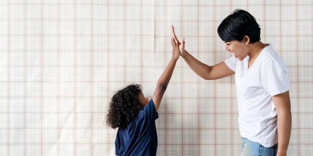 Bố mẹ thông thái nên làm theo những điều này nếu muốn con tự tin hơn - Ảnh 4.