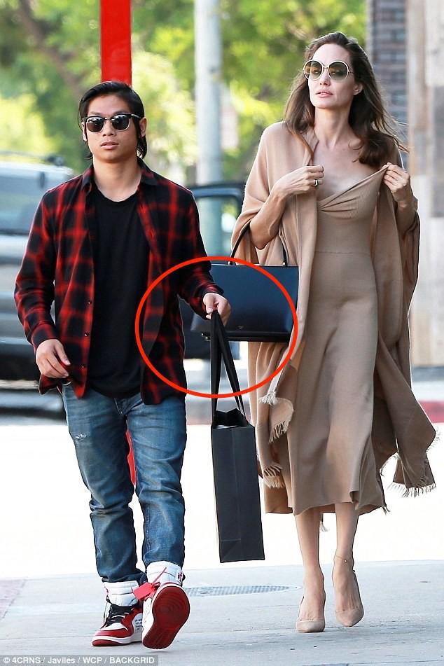 Nhờ hành động đặc biệt này, Pax Thiên là đứa con được Angelina Jolie yêu thương nhất - Ảnh 2.