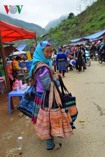 Chợ phiên Cán Cấu - nét độc đáo vùng cao Tây Bắc - Ảnh 6.