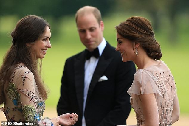 Kín tiếng trong đời tư là vậy nhưng Công nương Kate bất ngờ bị báo chí phanh phui vụ lùm xùm ruồng rẫy người bạn thân nhất của mình - Ảnh 1.
