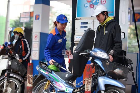 Bộ Công Thương bác thông tin khan hiếm nguồn cung xăng dầu  - Ảnh 1.