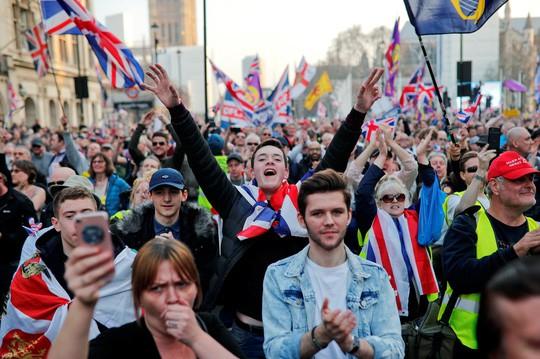 Cuộc chia tay Anh - EU thêm bế tắc - Ảnh 1.