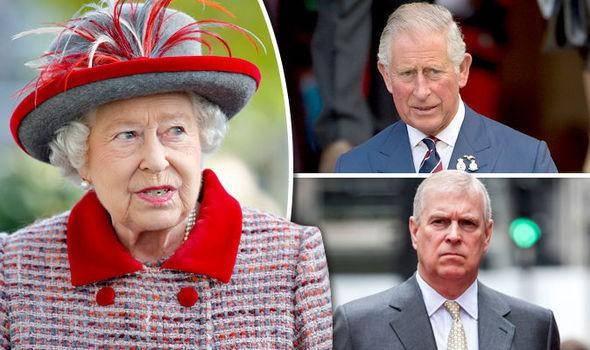 Vén màn bí mật ẩn chứa đằng sau cánh cửa cung điện hoàng gia, một mối thù âm ỉ cháy từ lâu và bắt nguồn từ Nữ hoàng Anh - Ảnh 1.