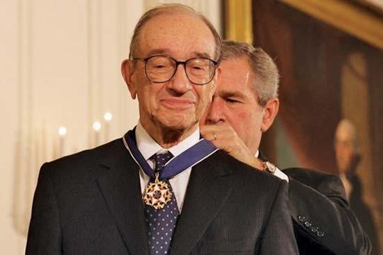 Chân dung cựu chủ tịch FED Alan Greenspan: Từ cậu bé Do Thái chơi nhạc rong đến người nắm giữ huyết mạch kinh tế Mỹ suốt 20 năm - Ảnh 3.