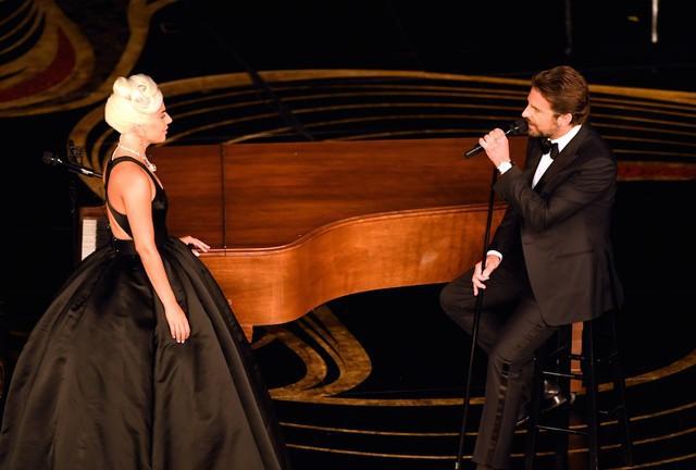 8/3 học tinh thần của Lady Gaga: Nếu không biết nên chọn đàn ông hay sự nghiệp, hãy nhớ rằng sự nghiệp sẽ chẳng bao giờ 'thức dậy' và nói rằng không còn yêu bạn nữa! - Ảnh 1.